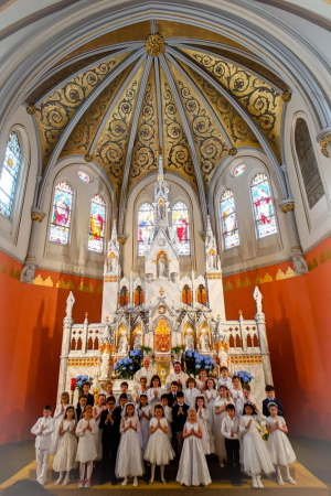 First Communion 2019 Class Pic at Altar
